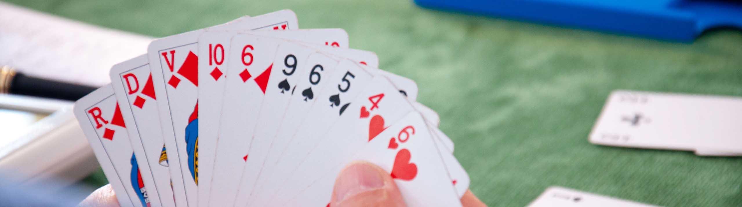 Jeux de cartes bridge club lisieux calvados normandie